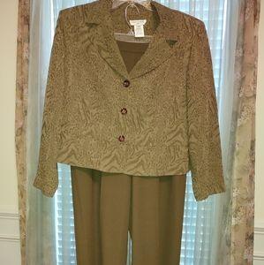 Miss Dorby - Pant Suit - 18